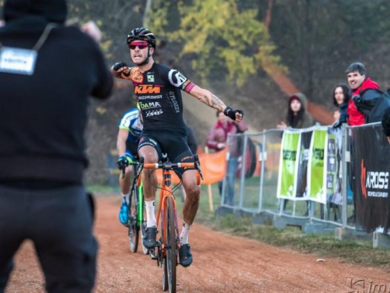 Víťazmi UCI C2 pretekov v cyklokrose v Košiciach Talian Nicolas Samparisi a Tatiana Jaseková