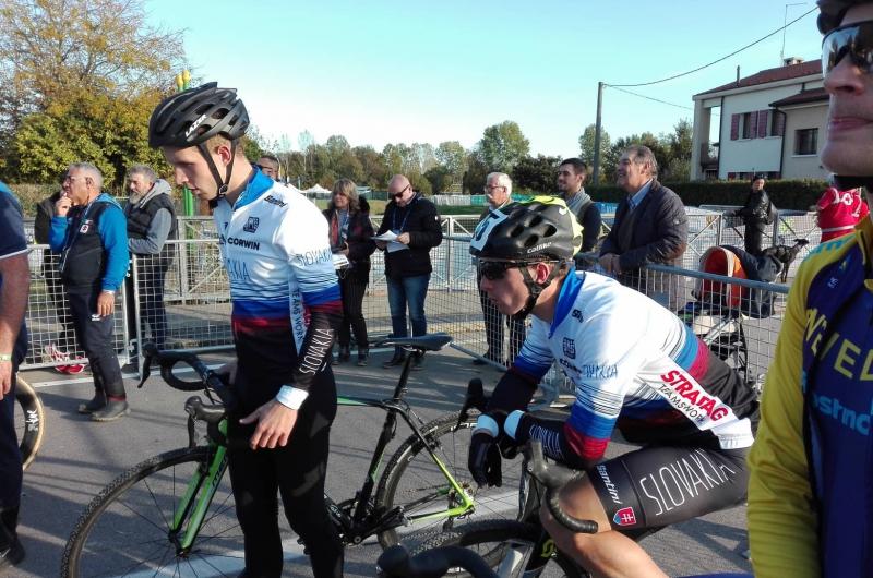 ME v cyklokrose: Cenné kovy získali masters jazdci. Barényi strieboro a Longauer bronz