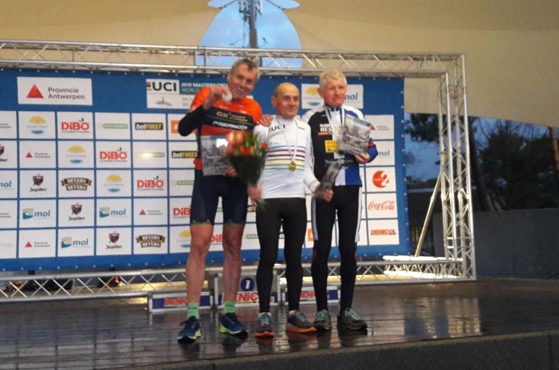 Z Majstrovstiev sveta Masters v cyklokrose prišli Slováci s dvomi striebornými medailami
