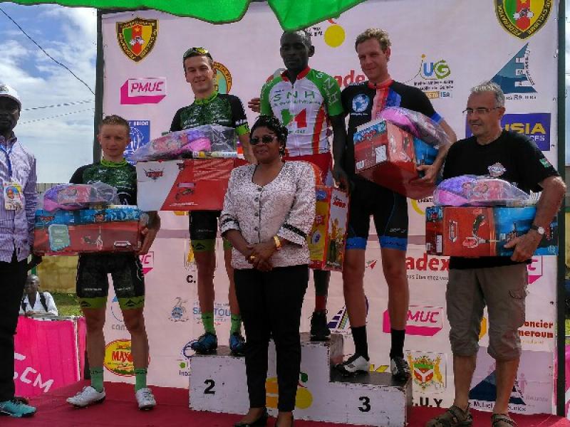 Triumfy dukláckych cyklistov v Kamerune