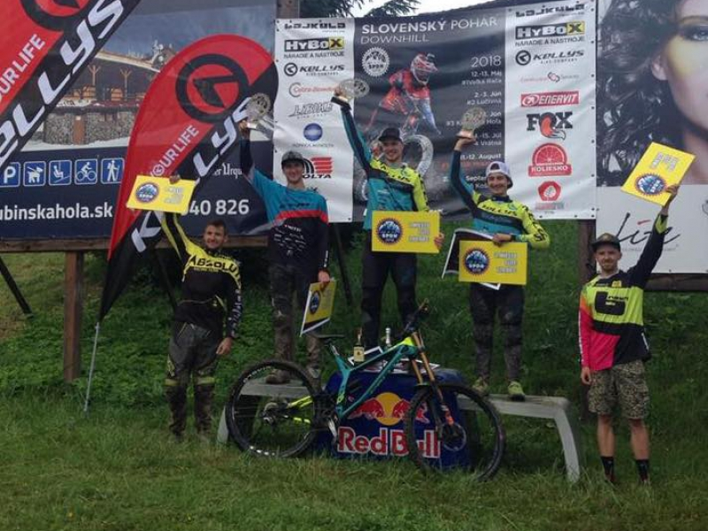 Víťazom 3. kola slovenského pohára downhill sa stal Rasťo Baránek